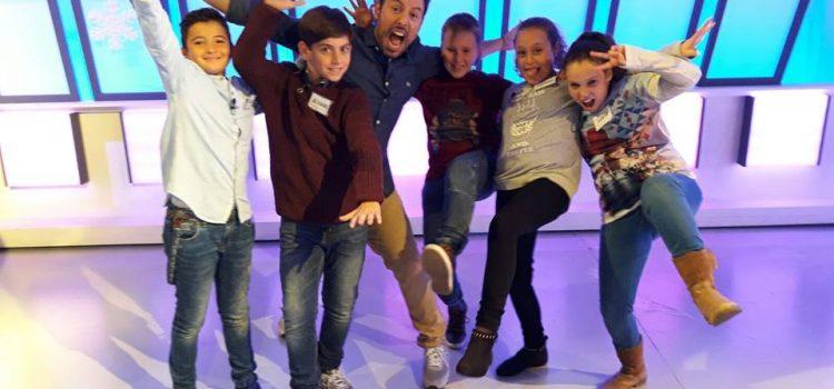 """Cuatro alumnos del colegio participan en el concurso """"Atrápame si puedes"""" de Aragón Televisión"""