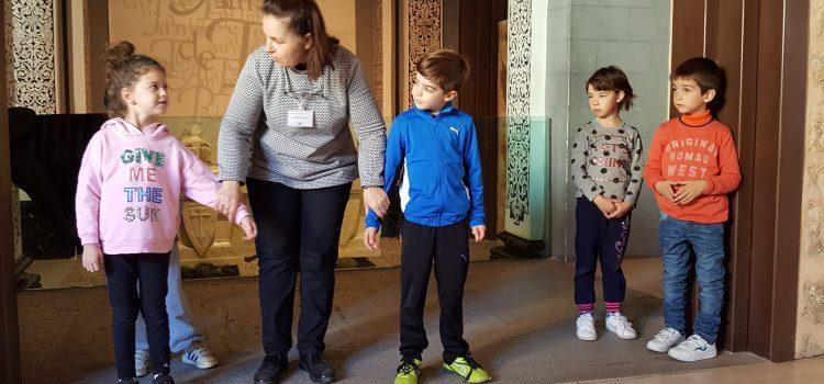 Alumnos de primer ciclo visitan el Mausoleo de Los Amantes