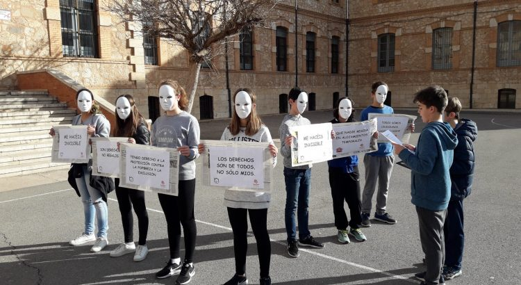 Interesante visita de 1º ESO a Cáritas Teruel para descubrir otras Realidades Humanas
