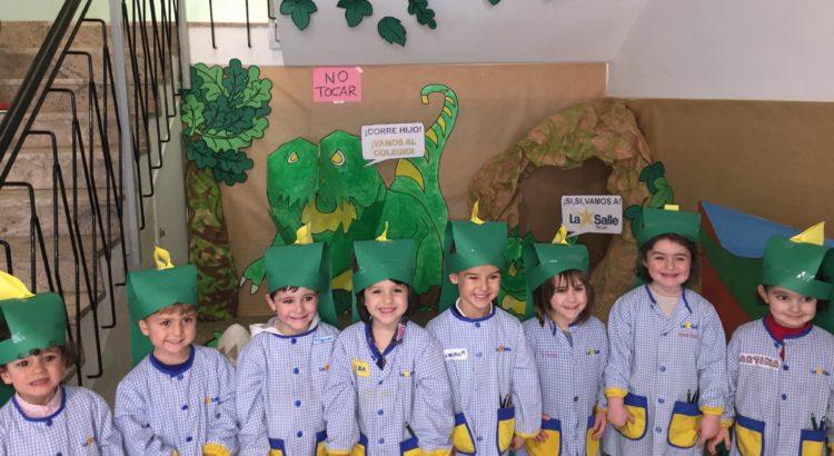 Los alumnos de Infantil trabajan en un proyecto sobre los Dinosaurios