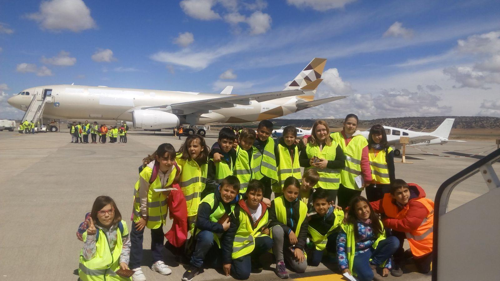 Alumnos de 4º visitan el aeropuerto de Teruel