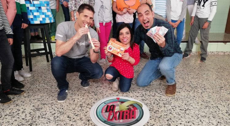 """Los profes Pedro, Iván y Elena concursan en el programa de TV """"La extra"""""""