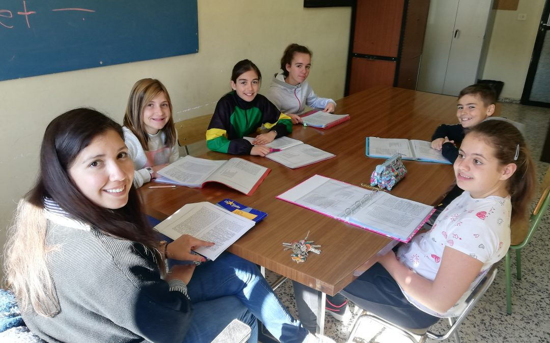"Los alumnos de 6º preparan la representación de ""Charlie and the chocolate factory"""