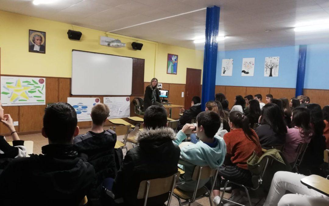 """EVA FORTEA VISITA LA SALLE DENTRO DEL PROYECTO """"ENCUENTRO CON AUTORES"""""""